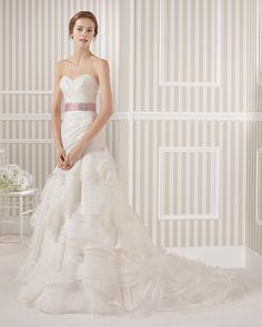 8S186 LUCANO | Wedding Dresses | 2015 Collection | Luna Novias