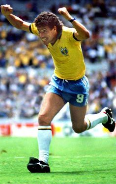 Brazil 3 N. Ireland 0 in 1986 in Guadalajara. Careca celebrates scoring after 15 minutes in Group D at the World Cup Finals. Brazil Football Team, Football Icon, Best Football Players, Good Soccer Players, National Football Teams, World Football, Football Soccer, Soccer Pro, Kids Soccer