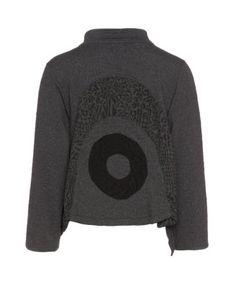Veste courte en coton en gris / noir créée par Prisa à trouver dans la catégorie Vestes á navabi.de