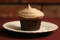 Apple Butter Cupcakes with Cinnamon Cream Cheese Frosting