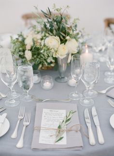 Perfekt pådekking :-)  Photography: Diana McGregor - www.dianamcgregor.com Floral Design: Toast - toastsantabarbara.com/ Coordination: Love This Day Events - lovethisdayevents.com   Read More on SMP: http://www.stylemepretty.com/2015/02/12/romantic-ivory-grey-ojai-valley-inn-wedding/