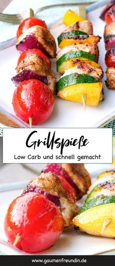 Low Carb Grillspieße mit Hähnchen und Gemüse Fast low carb grilled skewers with chicken, tomatoes, zucchini and onions – perfect for healthy low carb barbecues. The colorful skewers taste the whole family and are prepared quickly Healthy Eating Tips, Healthy Recipes, Healthy Food, Quick Recipes, Zucchini, Fast Low Carb, A Food, Food And Drink, Kebabs On The Grill