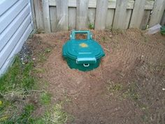 Back Yard Dog Poo Compost Septic Tank : 5 Steps (with Pictures) - Instructables Dog Friendly Backyard, Dog Backyard, Diy Dog Run, Dog Pee Smell, Dog Kennel Designs, Dog Playground, Outside Dogs, Dog Toilet, Dog Yard