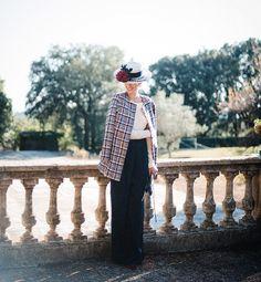 Hoy en el blog nuevo look de invitada con mono de @barea_barcelona chaqueta de tweed de @luteciacouture y sombrero @luciabarreirocomplementos  Todas las fotos de @padilla_rigau en uno de mis rincones favoritos de @masiaegara en el post de hoy{link en bio}  #invitada #invitadaboda #invitadainvierno #invitadaperfecta #lookboda #lookinvitada #boda #guest #weddinglook #weddingguest #guestlook #tweed by misscavallier