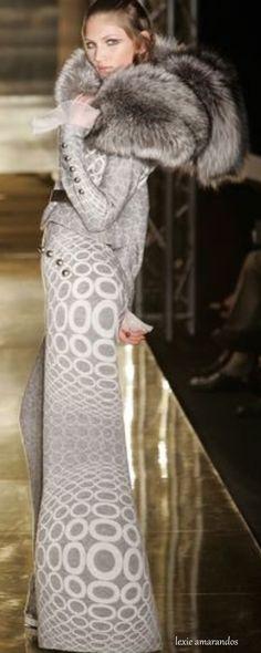 Jean Louis Scherrer ~Ƭђiα ℓѳ√૯ Parisienne Chic, Fabulous Furs, Classy And Fabulous, Grey Fashion, Runway Fashion, Fashion Design, Glamour, Jean Louis Scherrer, Dior