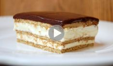 OMG, this might be my new favorite dessert recipe. The light, creamy taste of this No-Bake Chocolate Eclair Cake is out of this world delicious! No Bake Eclair Cake, Chocolate Eclair Cake, Chocolate Glaze, Frosting Recipes, Dessert Recipes, Desserts, Instant Pudding Mix, Salty Cake, Best Food Ever