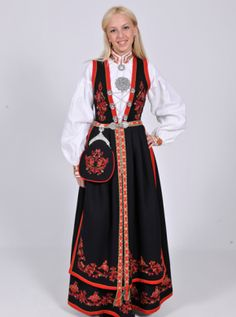 FolkCostume&Embroidery: Costume and 'Rosemaling' Embroidery of West Telemark, Norway Norwegian Clothing, Norwegian Fashion, Norway Clothes, Authentic Costumes, Historical Clothing, Historical Dress, Folk Costume, Traditional Outfits, Daily Fashion