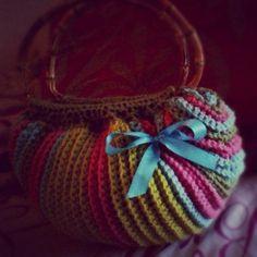 Fat bottom bag by ObsessedCrochet | Crocheting Pattern