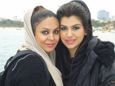 Duo Istanbul Girls At Beach