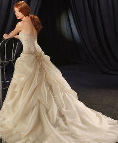organza sweet crumb neckline wedding dress | ... Organza Strapless Top Softly Curved Neckline Embroidered Wedding Dress
