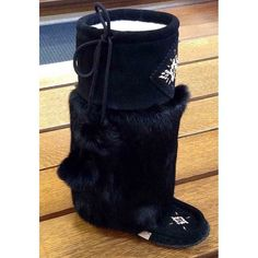 Oh the Canadian girls' winter footwear issues! The answer has always been OUTSIDE and INSIDE. Spare those soft leather sweeties and get… Native Canadian, Canadian Girls, Deer Skin, Winter Shoes, Moccasins, Soft Leather, Robin, Footwear, Lady