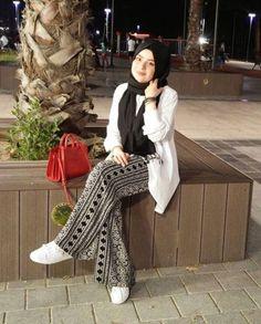 14 Palazzo Pants Outfit For Work – The Finest Feed – Hijab Fashion 2020 Hijab Fashion Summer, Modern Hijab Fashion, Hijab Fashion Inspiration, Muslim Fashion, Modest Fashion, Fashion Outfits, Casual Hijab Outfit, Casual Outfits, Pants Outfit