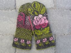 Ravelry: AnnaMaria's Rosa ros