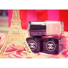 eiffel tower. Chanel nail polish Chanel Nail Polish, Chanel Nails, Eiffel Tower Nails, Chanel Boutique, Instagram, Fashion, Polish, Moda