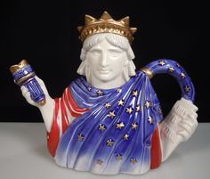 1994 Fitz Floyd Statue of Liberty Teapot Edition Fourth of July. Grandmothers Love, Cute Teapot, Teapots Unique, Unique Clocks, Tea For One, Dragon Statue, Tea Pot Set, Fun Cup, Chocolate Pots