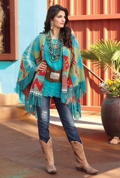 Love this outfit! Lodge Decor-Rustic Cabin Decor-Southwestern Home Decor-Log Cabin Decor-Antler Lighting - Trade Blanket Shawl Cowgirl Chic, Western Chic, Cowgirl Mode, Estilo Cowgirl, Estilo Hippie, Cowgirl Style, Gypsy Cowgirl, Cowgirl Western Wear, Hippie Chic