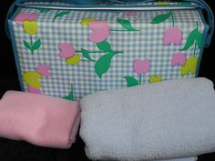 Vintage Diaper Bag Plus Bonus of 6 Plastic Vintage Disposable Diapers Infant Care, Vintage Baby Clothes, Disposable Diapers, Playpen, Diaper Bags, Baby Furniture, Girls Generation, Baby Things, Baby Care