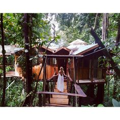 """Candice Swanepoel en Instagram: """"Throwback to tree house living in #costarica.  Where is my next adventure......?"""""""