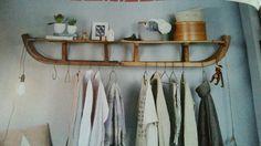 Schlitten-Garderobe