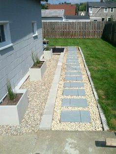 Front garden with gravel and stone paving stone way