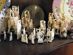 The Ivory set - India 1960 - Dr. Roberto Echepareborda. OAS