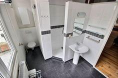 Appartement à vendre à Bruxelles - 1 chambres - 43m² - 138 000 € - Logic-immo.be - Proche du centre ville, appartement lumineux 1 chambre de 50m². Séjour avec cuisine équipée ouverte de 20m², plancher. 1 Chambre de +/- 15m² avec plancher. SDD de 7m² avec douche, WC et lavabo, carrel...