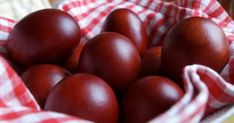 Have you ever wondered what it might be like to be in Greece during Easter time and live it like a local? Learn more about the various traditions of Pascha. Dilema, Cherry, Food And Drink, Easter, Fruit, Cooking, Traditional, Orthodox Icons, Holidays