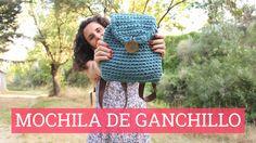 Cómo hacer un bolso de trapillo Mochila Crochet, Bag Crochet, Crochet Handbags, Crochet Purses, Cute Crochet, Crochet Hats, Stitch Crochet, Crochet Backpack Pattern, Crochet Cardigan Pattern