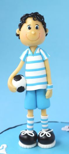 Little soccerplayer - cake by leonietje Boys 18th Birthday Cake, Football Birthday, Birthday Cakes, Fondant Cake Toppers, Fondant Cakes, Cupcake Cakes, Fondant Figures Tutorial, Cake Topper Tutorial, Sport Cakes