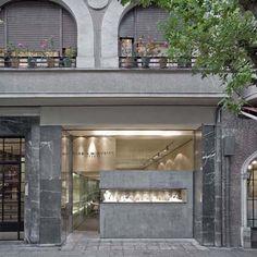 beautiful jewelry store