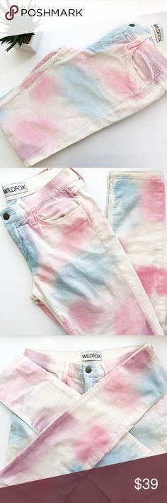 🦄WILDFOX Marianne In My Mind Velvet Jeans 💕🦄 🦄WILDFOX Marianne In My Mind Velvet Jeans 💕🦄 Condition:  Pre-owned (worn twice)  Size: 28 Waist: 14 Inseam: 29 Trendy skinny jeans. Selling these because I'm more of a high waisted kinda girl. Pants are very soft and perfect to pair with white tees or long tunics.  Pants do have stains on back pant legs  (They are tanning spray stains) not sure how to get it out other then laundry detergent (priced low because of it)  They have been washed…