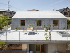 Gallery of Floating Hut / Tomohiro Hata Architect and Associates - 1