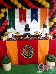 82 IDEIAS PARA FESTA HARRY POTTER - FAÇA SUA FESTA Harry Potter Diy, Casas Do Harry Potter, Harry Potter Fiesta, Harry Potter Baby Shower, Harry Potter Birthday, Harry Potter Fan Art, Halloween Party Games, Kids Party Games, Trendy Halloween