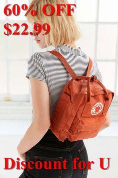 Mini mochila Kanken de Fjallraven - Urban Outfitters - Kelly World Mochila Kanken, Mini Mochila, Kanken Backpack Mini, Kanken Mini, Mochila Adidas, Fjallraven, Urban Outfitters, Looks Style, My Style