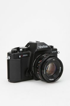 Vivitar V3800-50 SLR 35mm Camera... I would feel like such a paparazzo with this <3