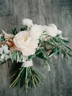 Gorgeous mixed ranunculus bouquet: http://www.stylemepretty.com/little-black-book-blog/2015/08/25/romantic-industrial-minneapolis-wedding-with-swedish-traditions/ | Photography: Geneoh - http://geneoh.com/