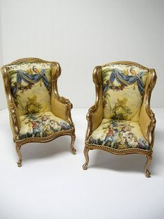 Pair of Miniature Ken Haseltine Chairs Victorian Dolls, Victorian Dollhouse, Dollhouse Dolls, Vintage Dolls, Dollhouse Miniatures, Miniature Rooms, Miniature Houses, Miniature Furniture, Dollhouse Furniture