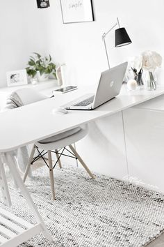 So make sure you design your home office exactly how you want from the perfect colors, . See more ideas about Desk, Home office decor and Home Office Ideas. Mesa Home Office, Home Office Space, Home Office Desks, Ikea Office, Office Rug, Office Chic, Office Style, Ikea Workspace, Ikea Hack Desk