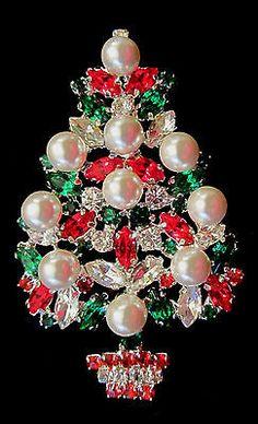 FANTASTICALLY LARGE PEARL & RHINESTONE CHRISTMAS TREE BROOCH PIN