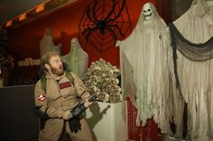 Pin for Later: TV Characters Have the Best Halloween Costumes This Year A to Z Stu gets his ghostbustin' on.