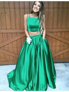 Two Piece Spaghetti Straps Hunter Satin Prom Dress Pleated with Pockets