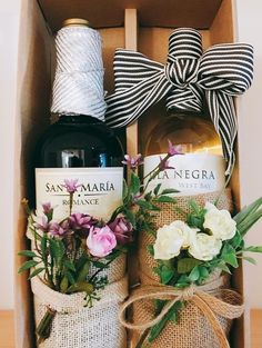Transform a Bottle of Wine Into a Festive Gift With These Wrapping Ideas No one can go wrong with gifting wine during the holidays because it's a simple (and much-appreciated) present for all wine-lovers. This year, step up your Wrapping Ideas, Creative Gift Wrapping, Creative Gifts, Wine Bottle Gift, Wine Gifts, Wine Bottle Wrapping, Wine Related Gifts, Vodka Bottle, Wrapped Wine Bottles