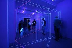 Dialogue Lineaire, una instalación de luz y geometría