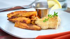 A fabulous way to enjoy fish and chips without the guilt! You won't even miss all the gluten! Breaded Haddock Recipe, Haddock Recipes, Almond Flour Bread, Holistic Health Coach, Fish And Chips, Almond Recipes, Feel Better, Dairy Free, Seafood