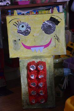Robot z pudełek, kartonów - ekologiczna zabawka