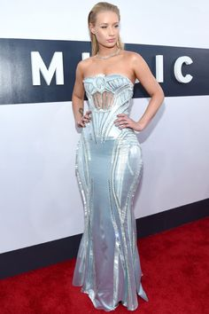 The Hottest Styles From The VMA Red Carpet 6b2899a1e3522