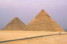 (152) TEC 08 - Gran Pirámide de Giza, La Gran Pirámide de Giza es la pirámide más grande de la necrópolis de Giza, en Egipto, y durante cerca de 4000 años, fue también la estructura más alta. Su aspecto más impresionante es la precisión que se requirió para alinear cada bloque con el otro a la perfección.