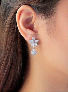 Gold Jewelry, Jewlery, Jewelry Accessories, Fine Jewelry, Women Jewelry, Silver Tiara, Diamond Earing, Ear Rings, Indian Jewelry