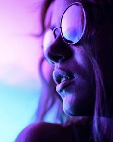 Ideas for neon lighting portrait drawing Colour Gel Photography, Light Photography, Girl Photography, Creative Photography, Urban Photography, Landscape Photography, Photography Contract, Passion Photography, Photography Filters