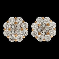 A pair of princess- and brilliant cut diamond earrings, tot. 3.13 cts. 18k white gold. Diam. 1,2 cm.. - Vintage & Jewellery, Stockholm S200 ...